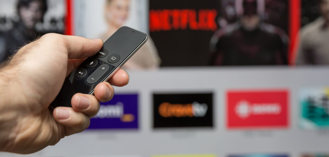 Human Hand Holding The New Apple Tv Siri Remote © Onfokus/GettyImages
