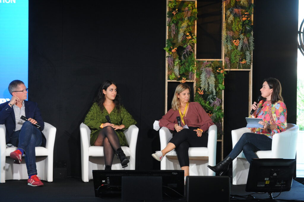 Newen Connect's - MIPCOM
